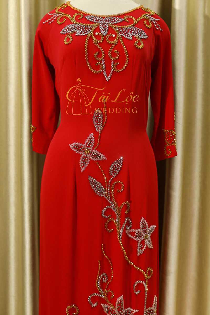 Áo Dài Bà Sui Màu Đỏ Đô Vải Lụa Kết Cườm