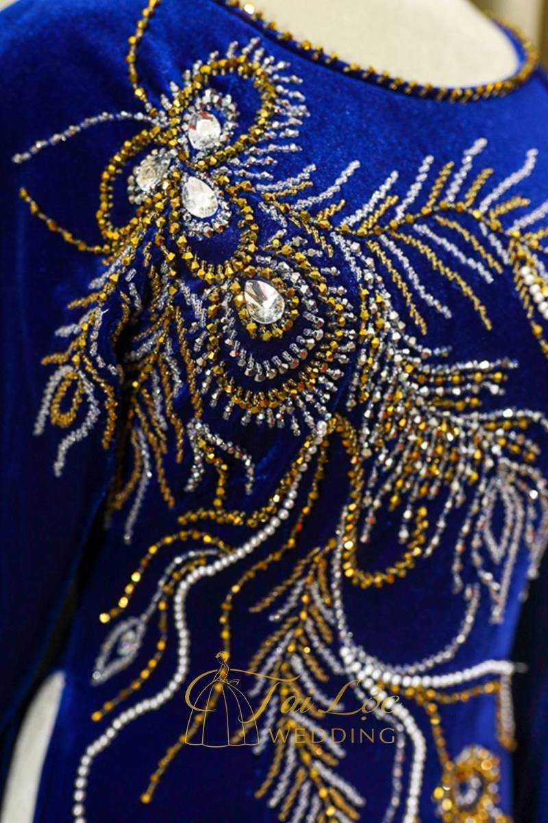 Áo Dài Bà Sui Màu Xanh Vải Nhung Chim Công