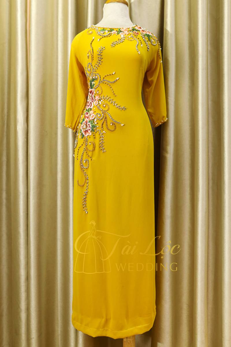Áo Dài Bà Sui Màu Vàng 4 Tà