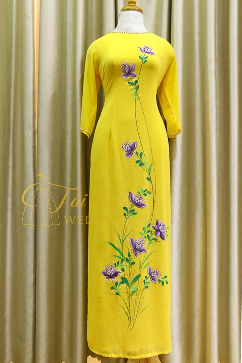Áo Dài Bà Sui Màu Vàng Vải Lụa Vẻ Hoa