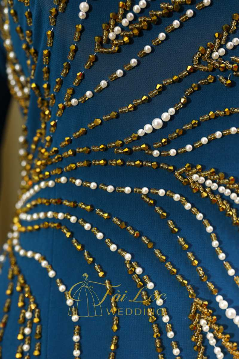 Áo Dài Bà Sui Màu Xanh Nước Biển Cườm Vàng