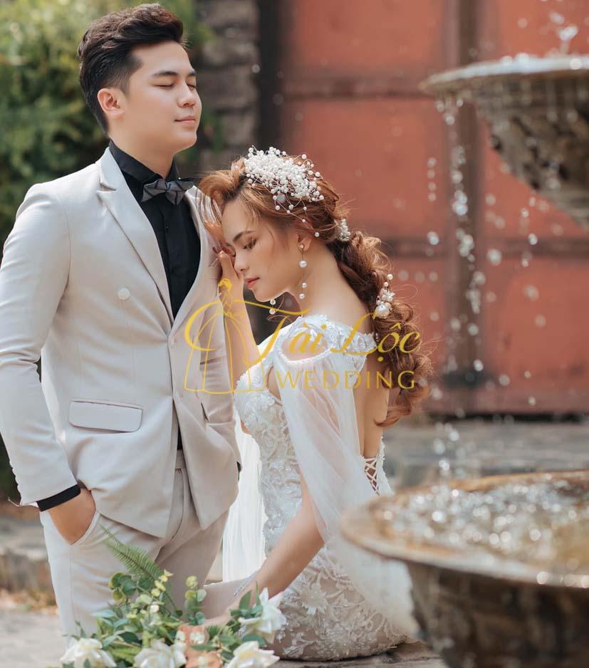 Vest cưới chú rể màu trắng