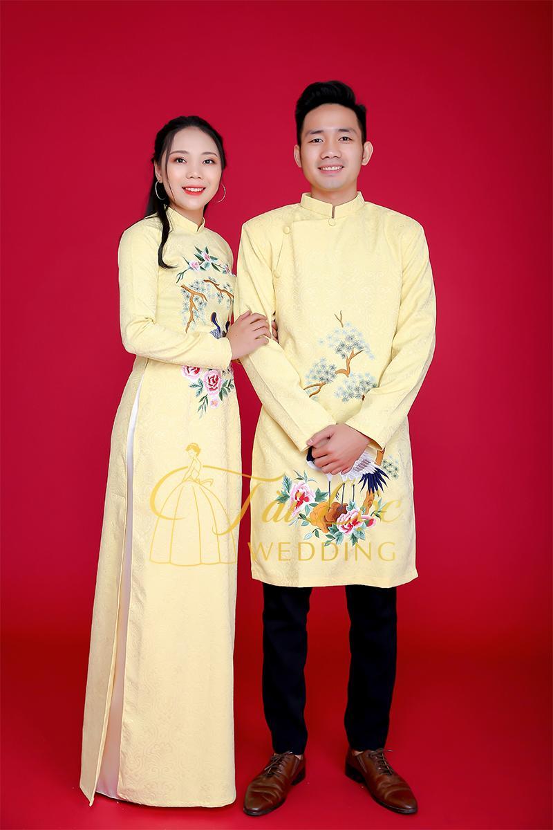 Áo dài cưới màu vàng