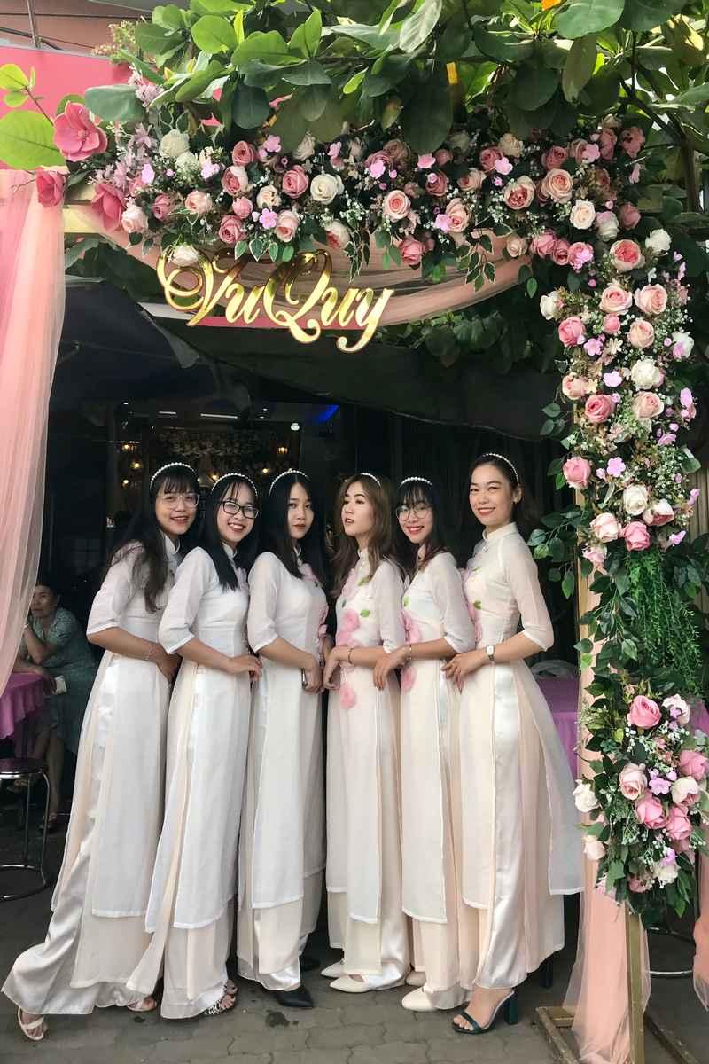 Cho thuê người bưng quả giá rẻ TPHCM - Tài Lộc Wedding
