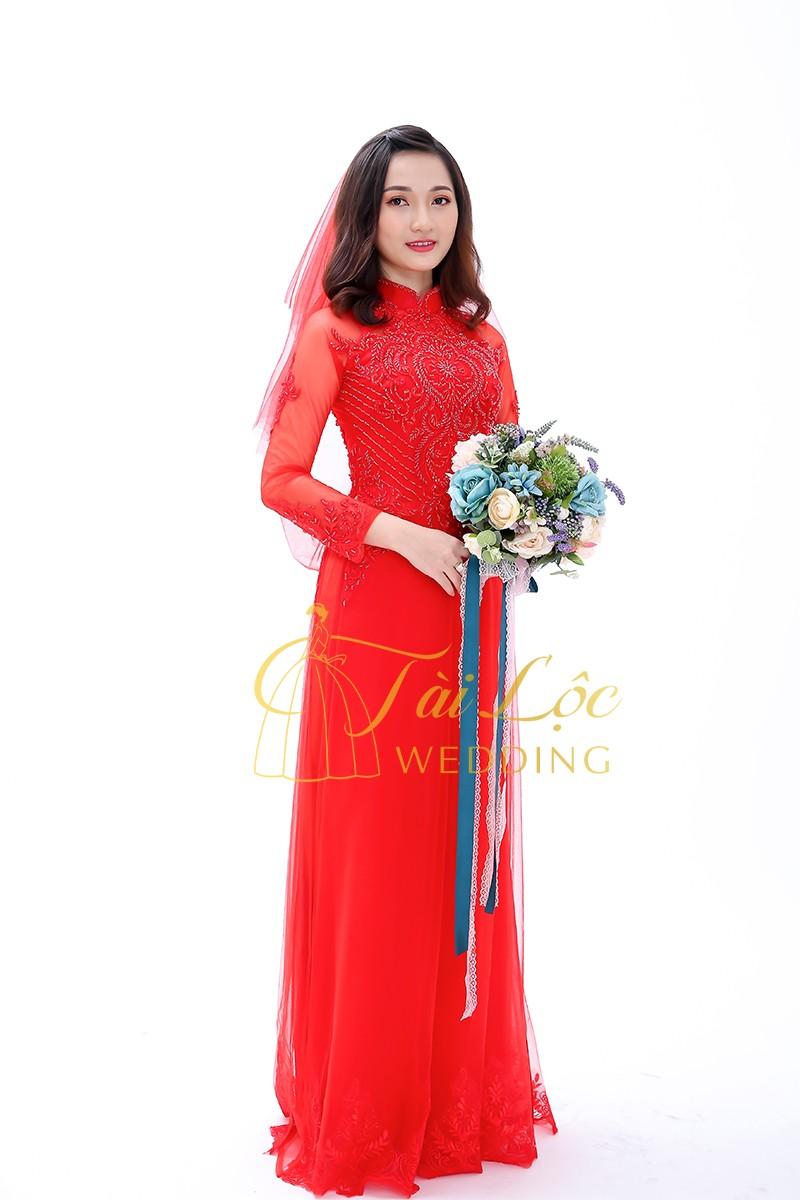 Áo dài cưới màu đỏ vải ren
