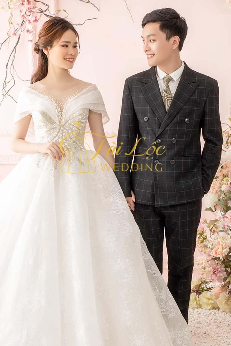 Vest cưới chú rể kẻ caro